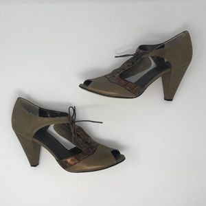 VANELi Bronze Sandals Size 11